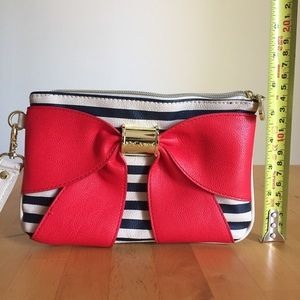 Betsey Johnson Bags - Betsey Johnson Ribbon Clutch